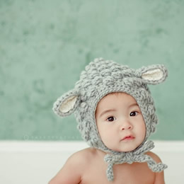 Little lamb wool hat by Sweetpeatoadtots