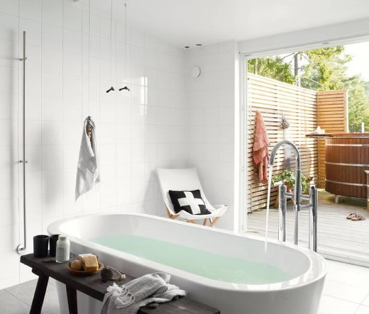 Bathroom in Swedish cabin via Nordic Design