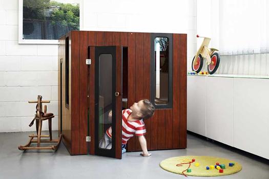 Hobikken playhouse exterior by SmartPlayhouse