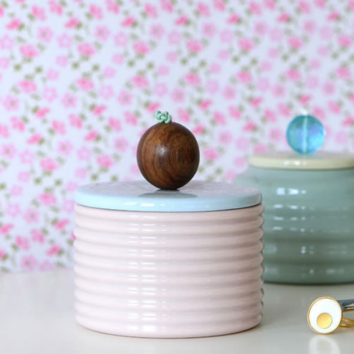 Susan Liebe porcelain box