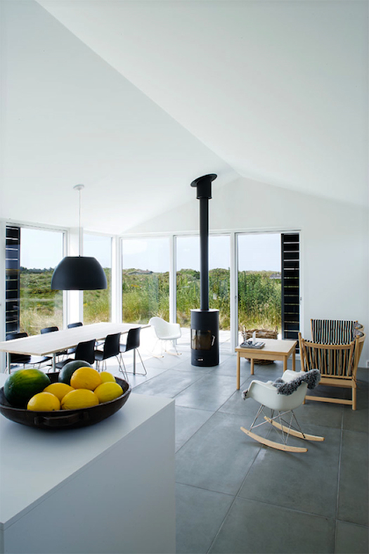 Denmark beach home via Love Nordic