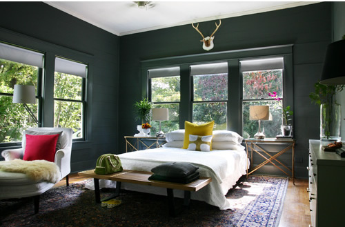Bedroom with dark walls by Ab Chao