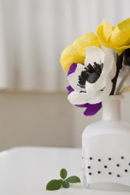 DIY polka dot vases by Ruffled blog