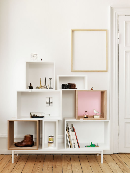Muuto bookcase photo by Petra Bindel