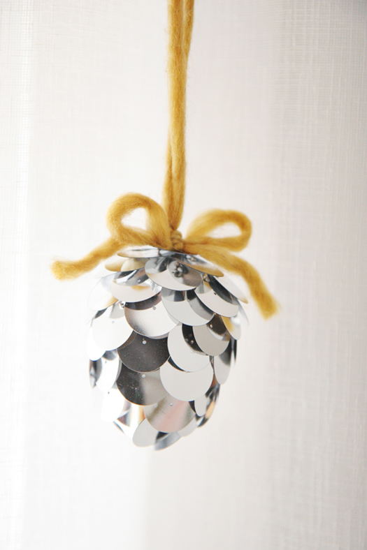 DIY acorn ornament by Skunk Boy Blog