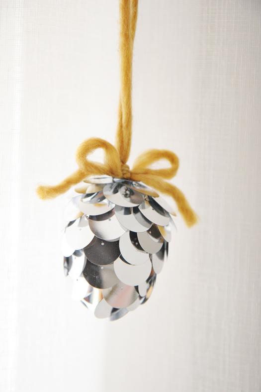 DIY acorn ornament by Skunk Boy Blog