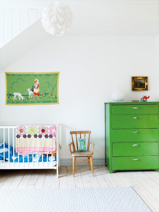 Colorful children's bedroom via Hus and Hem