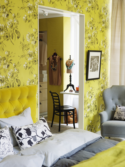 Floral yellow bedroom via Skona Hem