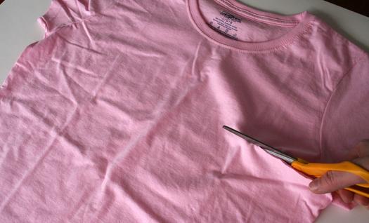 Cutting the t-shirt